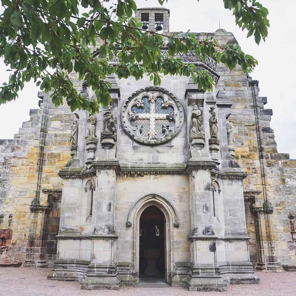 Rosslyn Chapel - Best tours in Edinburgh