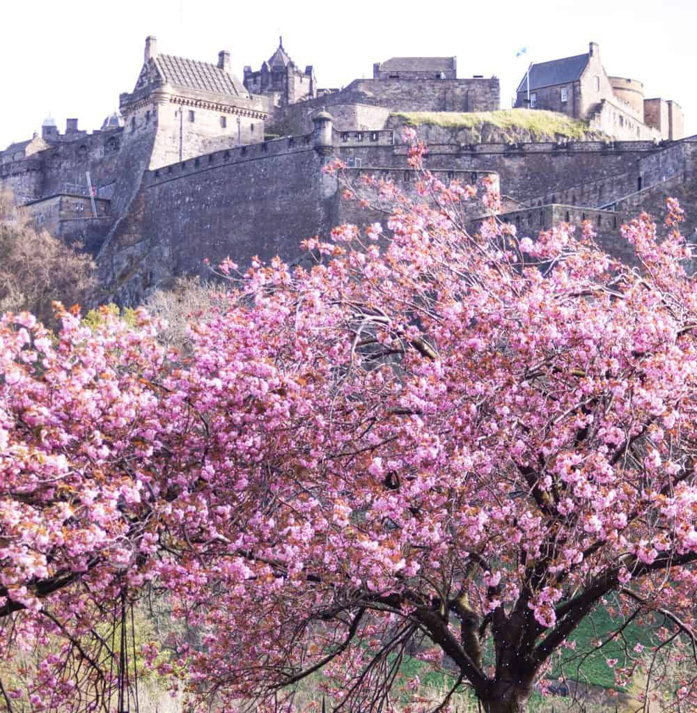 The Edinburgh Castle - 10 absolutely best attractions in Edinburgh, Scotland