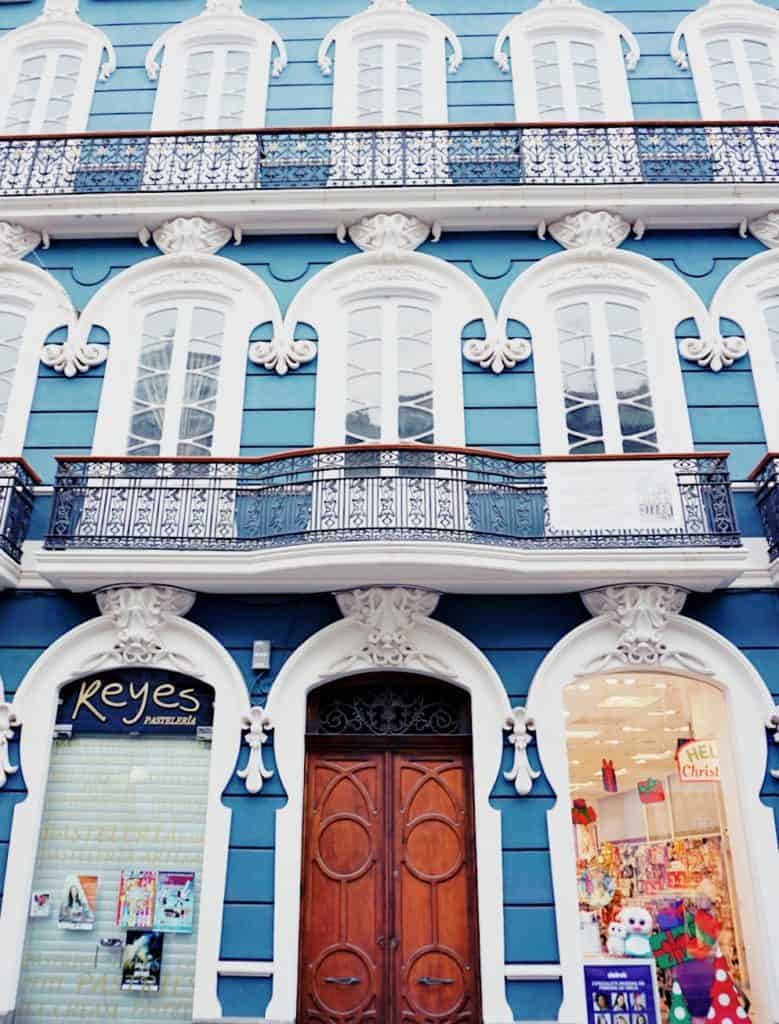 beautiful buildings in Las Palmas
