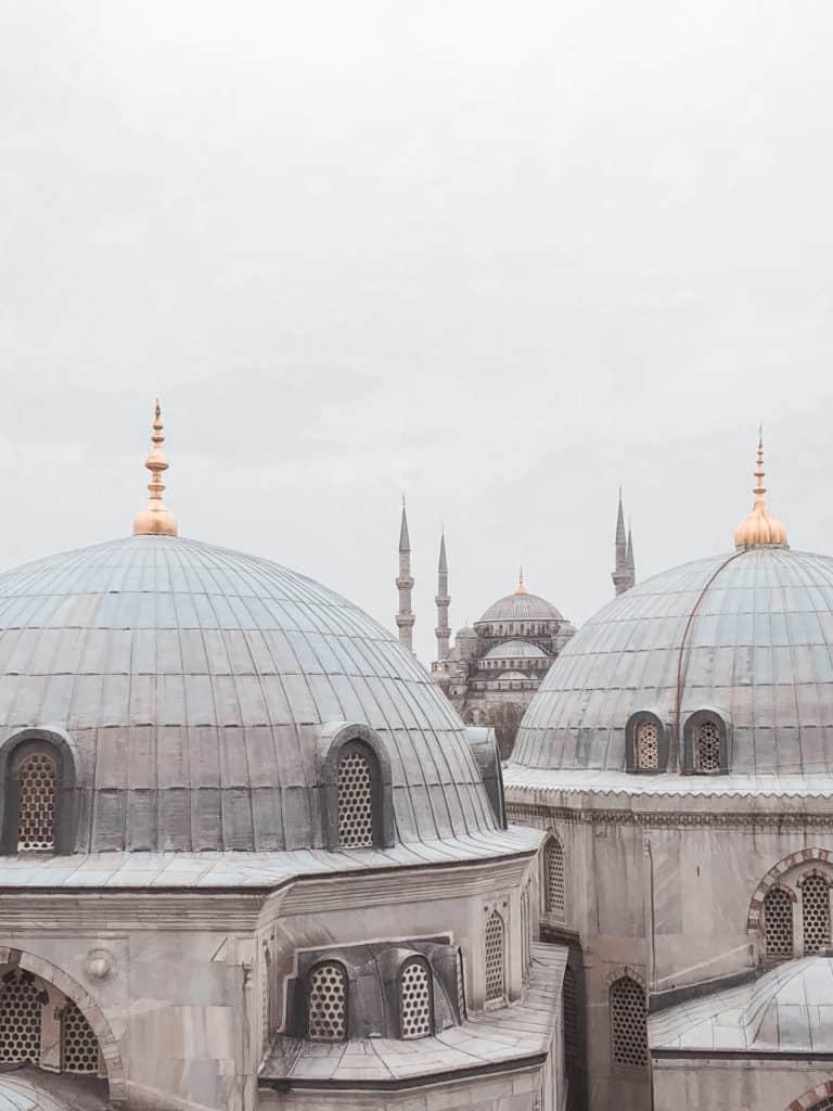 Instagrammable spots in Istanbul, Turkey | Photo guide by @lizatripsget