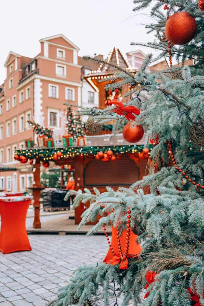 Weekend in Poland: trip to Wroclaw and Krakow. Christmas Markets in Poland in December. Wroclaw Christmas Market