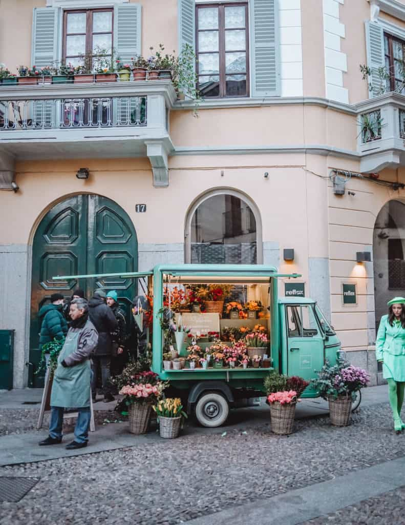 Amazing Instagrammable spots in Milan & Bergamo | Photo locations in Milan