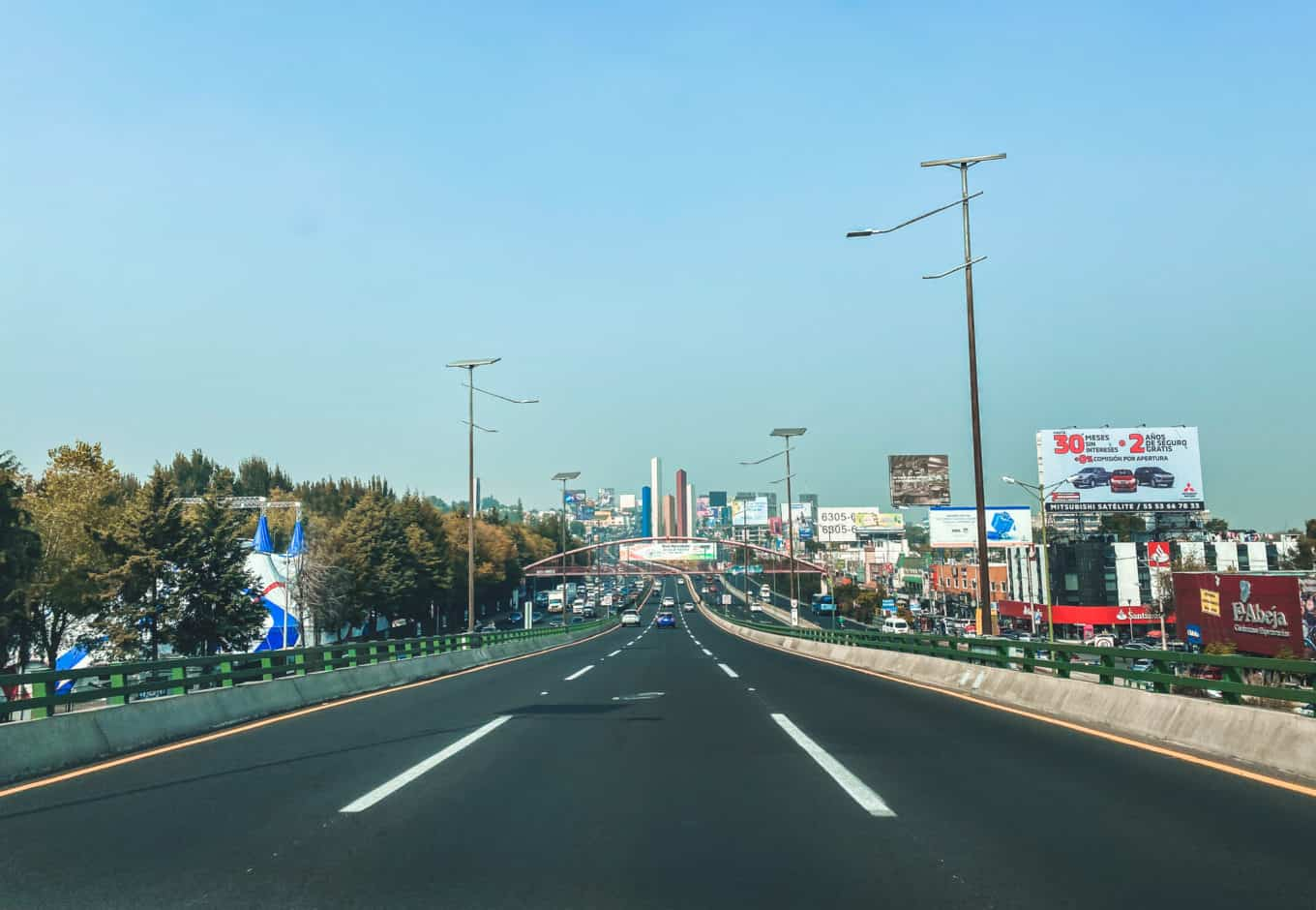 The guide to driving in Mexico City. Is driving in Mexico City dangerous?