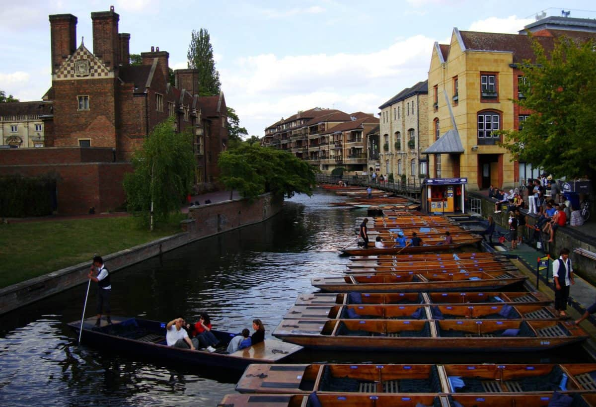 Best day trip ideas in England. Amazing day trips from London