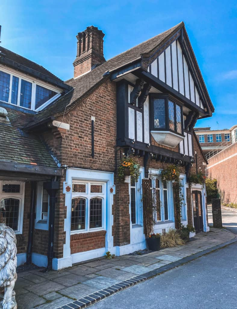 Living in East Finchley - area guide