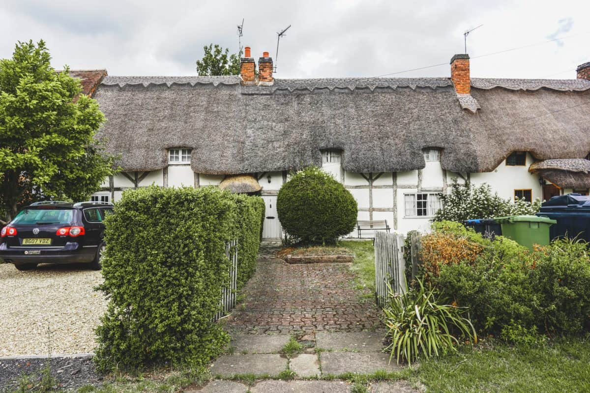 the prettiest thatched village in England