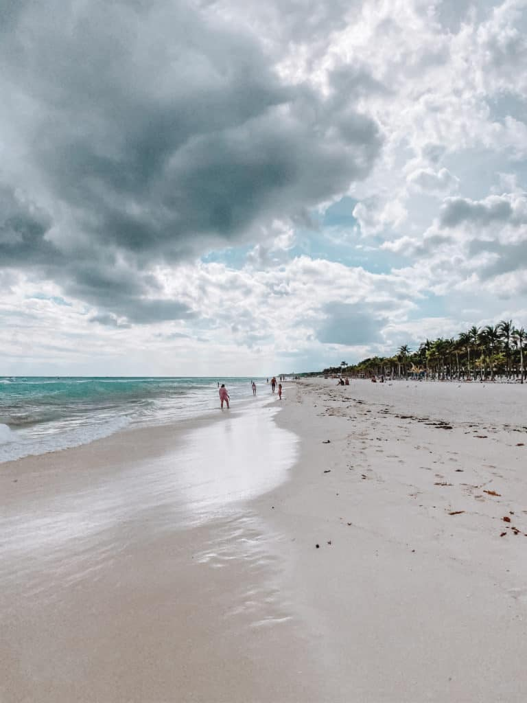 How to save money in Playa del Carmen